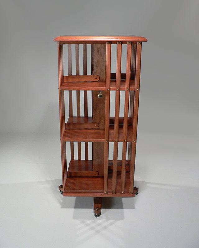 biblioth que tournante le vent en poupe d coration mobilier. Black Bedroom Furniture Sets. Home Design Ideas
